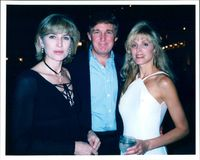 TRUMP DONALD - SELINA BIOG SCOTT MEETS DONALD  , WIFE