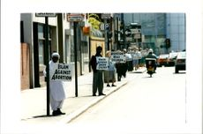 A protesters islam against Abortion.