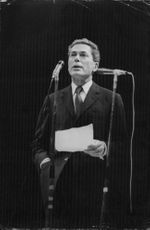 Jacques Monod giving speech.