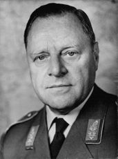 Lt. General Alfred Ubelhack in a portrait.