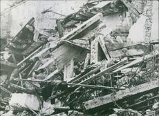 A piled of debris in the ground during First World War.