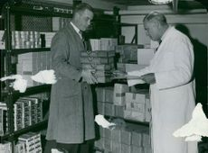 """The goods are taken from an importer's """"free harbor warehouse"""" at the Tobacco Monopoly at Rosenlundsgatan"""