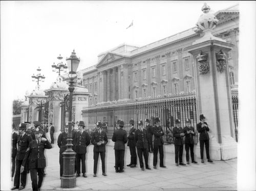 The police guarded Buckingham Palace when the Portuguese Prime Minister Dr. Caetano was visiting.