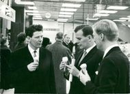 Opening of the Varuhuset in Södertälje. State Council Sven-Eric Nilsson together with Täljebostäder's chairman. Olov Lekberg and bankers. Anders Hilborn