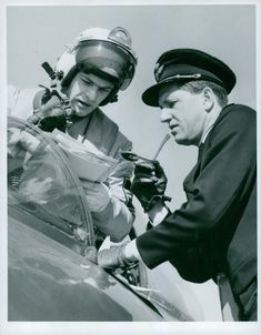 Major Sven Lampell gives Lieutenant Bruno Söderblom instructions before the attack on the flight field competition in Tullinge.