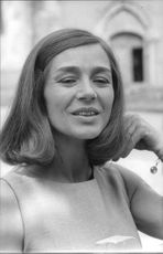 Emanuelle Riva famous french actress
