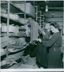 Help from Sweden German aid has been receiving 500 kg. used clothing to send Begren. 1944