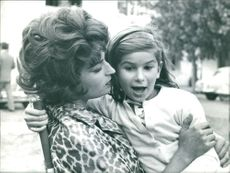 Silvana Mangano with her daughter.l