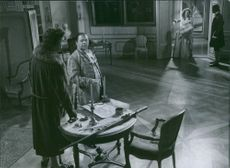 Holger Löwenadler, Erik Berglund and Inga Tidblad in the film Kungajakt, 1944.