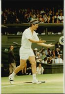 John McEnroe loses the mood during the match against Stefan Edberg in Wimbledon in 1991