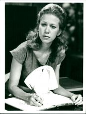 Connie Booth as Polly in the TV series Pang in the building