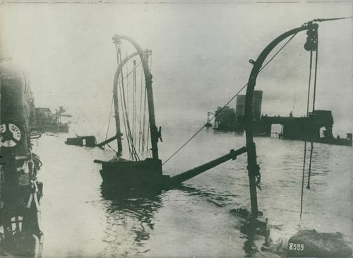 A view of something in the sea during WWI, 1936.