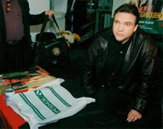 The rock singer Meat Loaf signs records at the PUB department store in Stockholm.