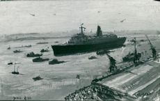 Although the Qe2 has linda kitson the task forces official war artist.