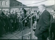 Spectators gathered to watch Harold Wilson deliver his speech. 1964.