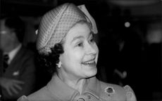 Queen Elizabeth II photographed during exhibition