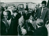 Former US Ambassador to Sweden Jerome Holland and his wife are welcomed to Sweden.