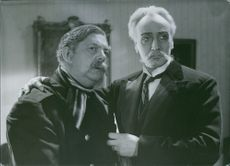 A scene from the film Johan Ulfstjerna with  Erik 'Bullen' Berglund  and Gösta Ekman.