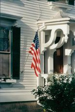 USA: House with American flag