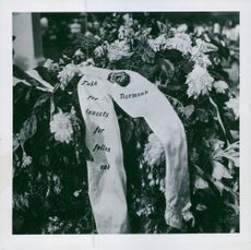 """""""Thank you for your efforts for our common cause, Norwegians"""" written on wreath for British piltot´s grave in Bergen , Norway 1942."""