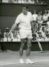 Roger Taylor plays in Wimbledon