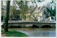Cotswolds: Bourton-on-the-Water.