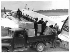Red Cross planes loaded on Bromma to flooded Austria