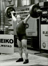 Ingvar Asp 43 years lifted over 100 kg in an unknown race context