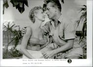 Mitzi Gaynor and Rossano Brazzi in the South Pacific.