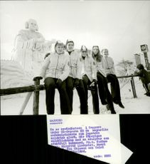 Barbro Tano, Birgitta Lundquist, Eva Ohlsson, Merri Bodelid and Toini Gustafsson in front of the snow sculptures designed by Japanese military.