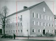 Architect Nils Einas Eriksson's Town Hall in Säffle with Stig Blomberg's Marble Group