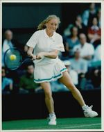 Lea Ghirardi in action during Wimbledon in 1995