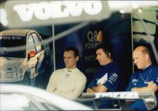 Rickard Rydell and parts of the Volvo team supervise the competitions from the stock at Brands Hatch.