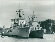 The Navy destroyer Småland and Södermanland have both added at Kastellholmen.