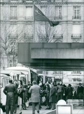 Some of the diplomats and their families leave the Soviet Embassy in Paris and climb into special buses, which took them to Roissy airport to board an Aeroflot flight to Moscow. 1983.