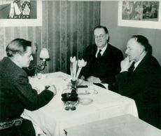 Gunnar Hedlund together with Prime Minister Erlander and Deputy Secretary Olof Palme