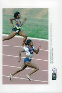Gwen Torrence runs the gold at 4x100m during the Olympic Games in Atlanta in 1996