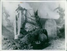 Soldier drop his body in the field in France during World War I, 1940.
