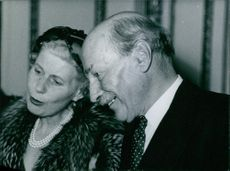 Portrait of Rt. hon. Clemente R. Attlee  and his wife.