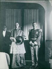 Pope Pius XII being photographed with a general during his Buenos Aires tour