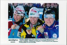 World Cup medalists at 10 km hunting start, Florence Baverel, Magdalena Forsberg and Uschi Disl.