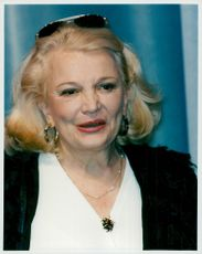 Close to Gena Rowlands, celebrated actress