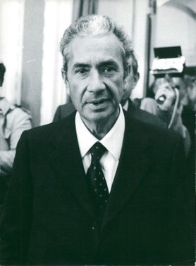 Aldo Moro arrives late for a meeting in Copenhagen
