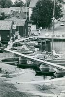 Öregrund is an idyll, boats and docks, seabeds and small bays
