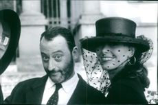 Jean Reno as Marcello and Polly Walker as Cecilia in the film Roseanna's Grave, 1997.