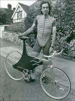 Mike Burrows and his Carbon-Fibre racing Cycle