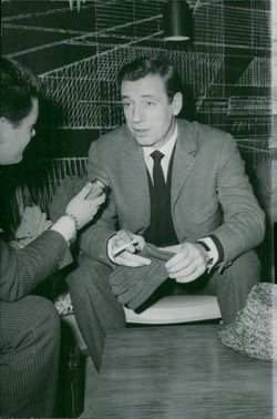Yves Montand is interviewed