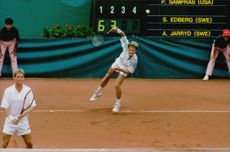 Stefan Edberg plays in OS Barcleona