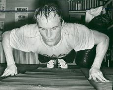 Bo Högberg is training for a boxing match