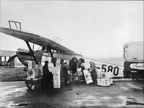 One of Lufthansa's Dornier Combo III, which was part of the Navy 1926-1928.